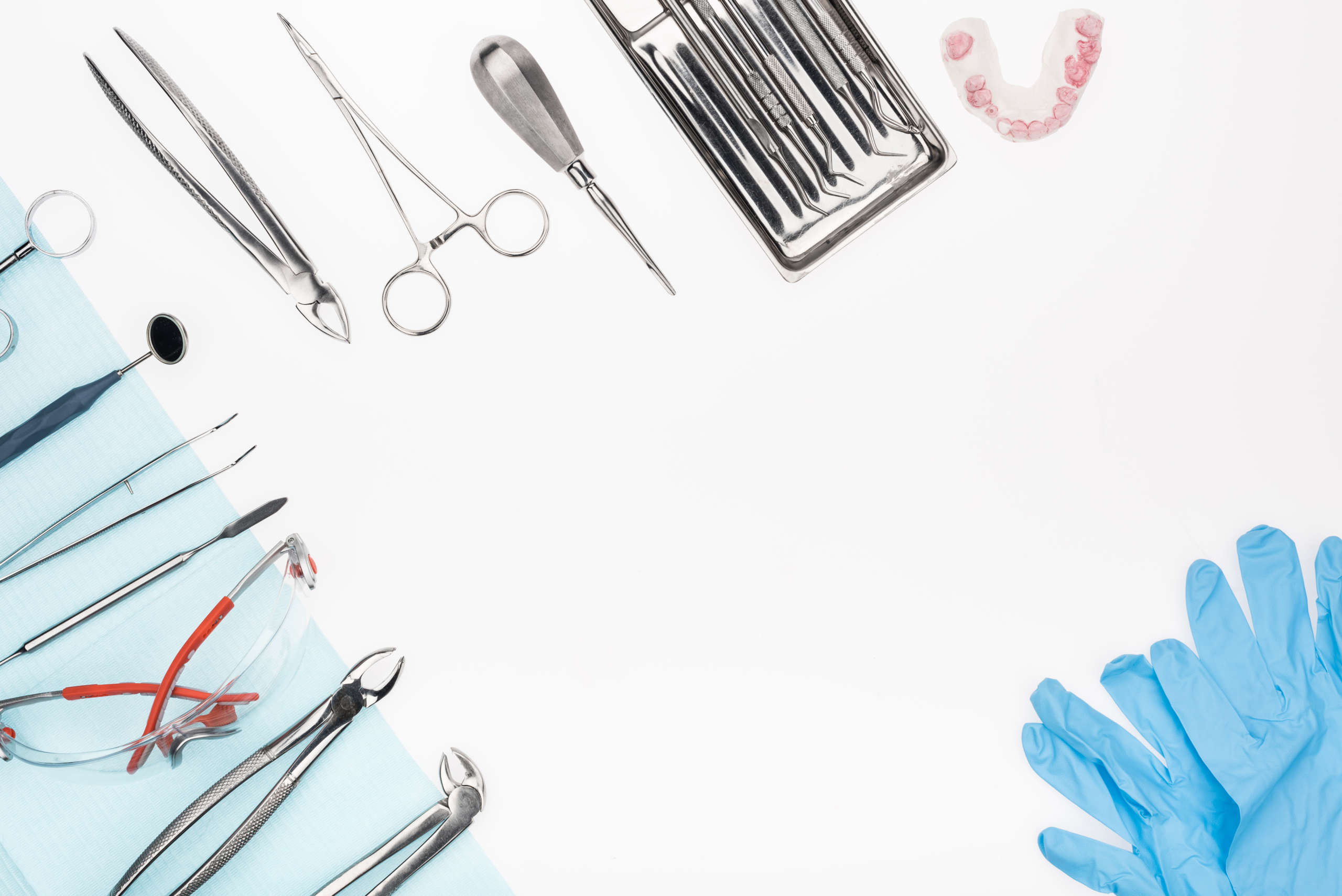 Extrakcia zubu | Trhanie zubu | MDDr. Andrea Hrubá