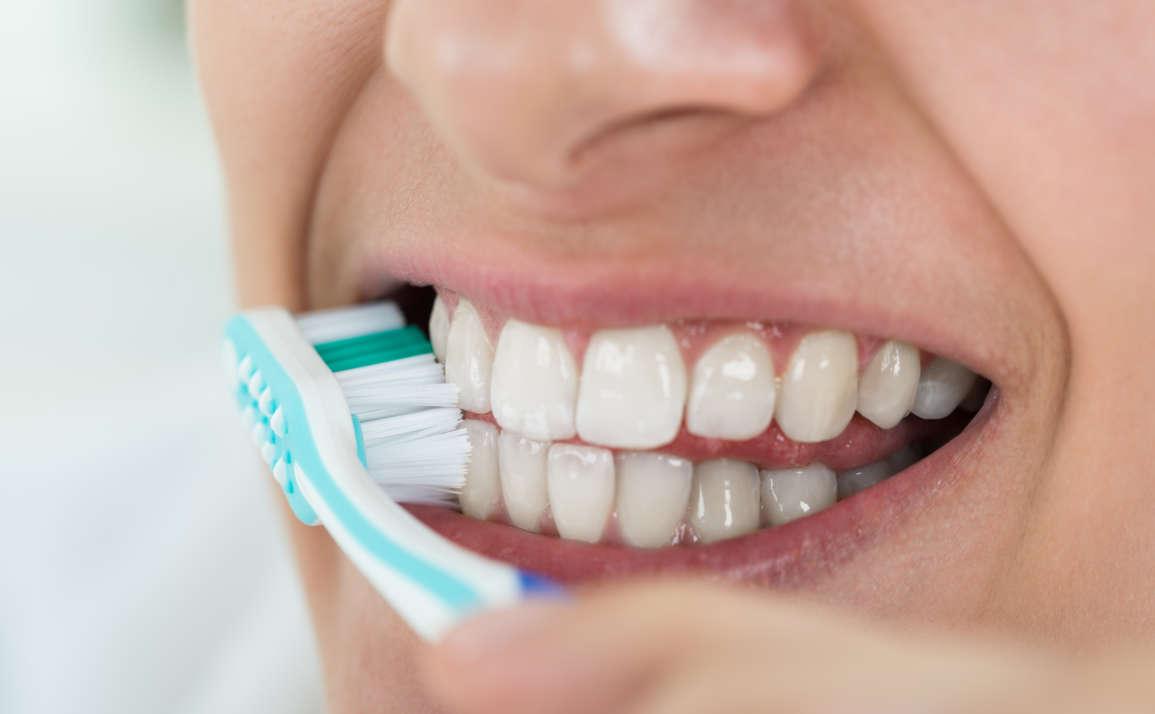 Najčastejšie chyby pri čistení zubov. Robíte ich aj vy?