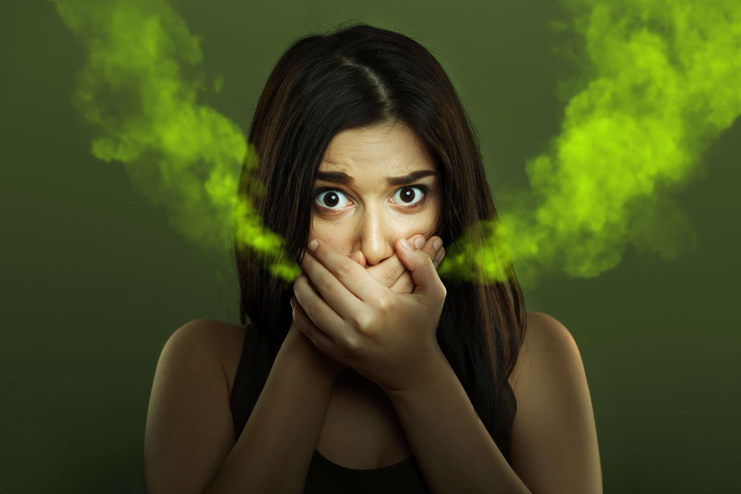 Zápach z úst: Čo ho spôsobuje a ako ho odstrániť?
