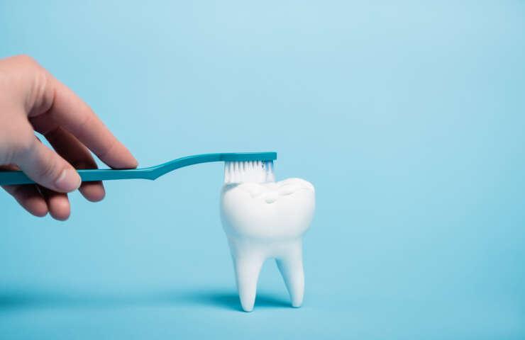 Ako si vybrať zubnú kefku?
